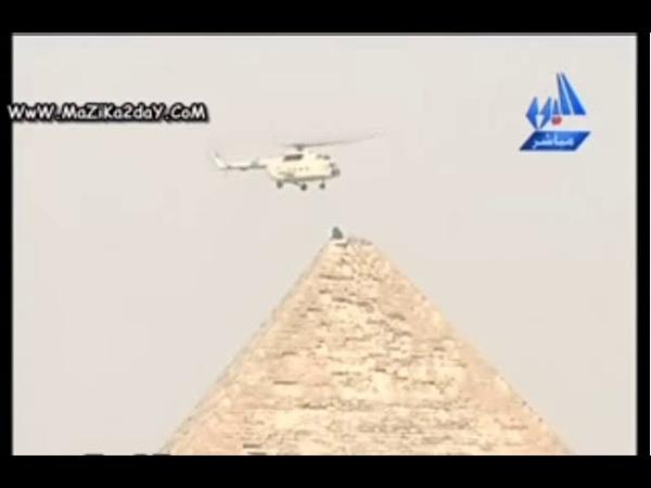 تسجيل نادر لانقاذ شخص تسلق الاهرامات Вертолет спасает кого-то, подним