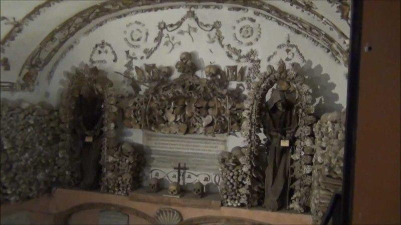 La chiesa di S Maria della Concezione dei Cappuccini cripta. Noi eravamo quello che voi siete, e quello che noi siamo voi sarete
