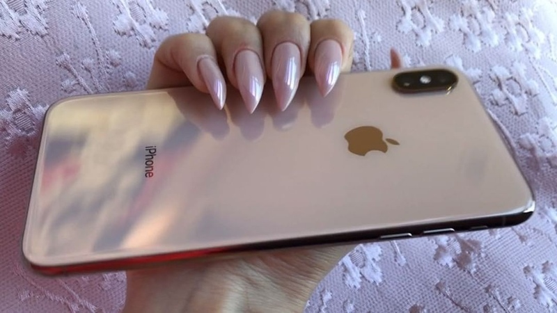 Alena Vodonaeva on Instagram Когда срочно захотелось розово золотые когти 🐾 Розово Золотые 🤦🏻♀️ Интересно почему же 😸Проблема заключалась