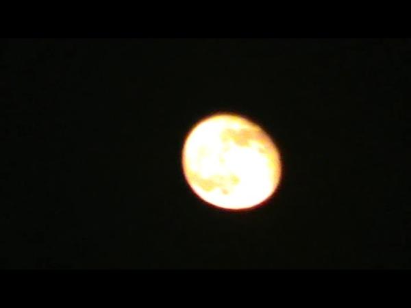 Мариуполь 22.15...Луна и Болид 2.05.18
