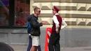 РУССКИЙ ПСИХОПАТ ОБМАТЮКАЛ ПРОХОЖИХ ПРЯМО В ЛИЦО ОПАСНЫЙ ПРАНК Долбоб в шляпе
