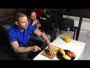 Пробуем тайские манго и драконий фрукт