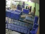 На Почте России поймали работников, воровавших телефоны из посылок