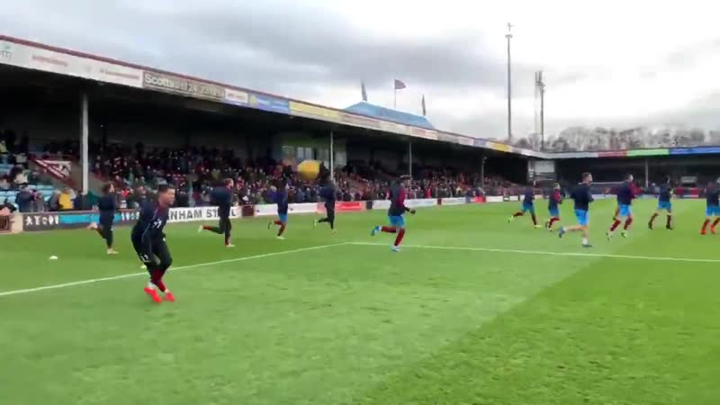 ✅Final preparations complete and the atmosphere is building here at Glanford Park with just ten minutes until kick-off.