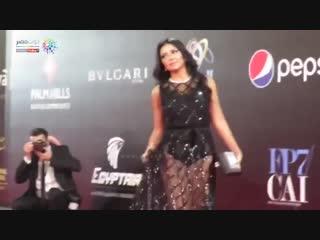 رانيا يوسف بفستان فاضح على السجادة الحمراء بمهرجان القاهرة