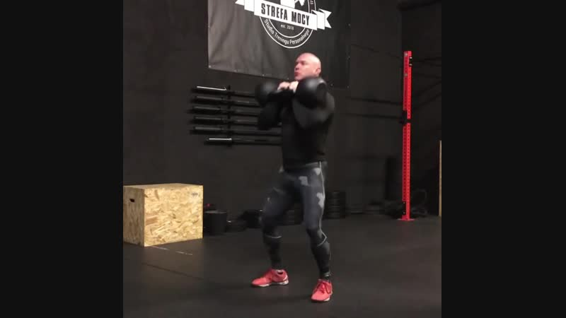 Тренировка с двумя гирями по 36 кг видео strefa mocy