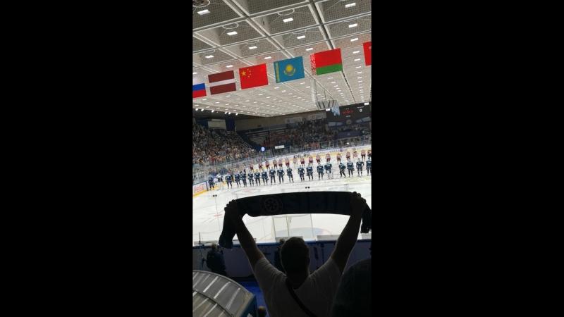 Выход команды Хк Сибирь в матче с Металлургом Новокузнецк