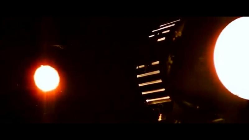 Всегда - Иногда. Индийский фильм. 2011 год. В ролях: Шахрукх Кхан. Маной Джоши. Ашвин Мушран. Сатиш Шах. Али Фазал и другие.