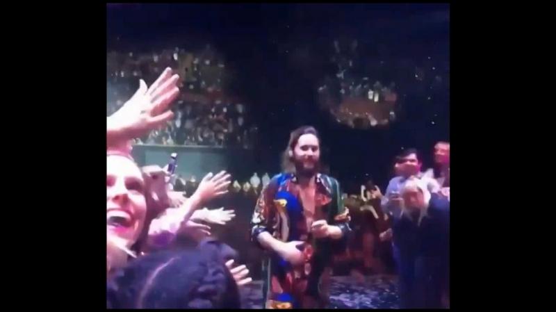 Пэрис на концерте 30 Seconds to Mars