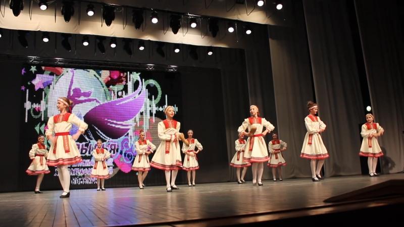 Конкурс Крылья-5-6 классы танец Лапти 14.05.2016