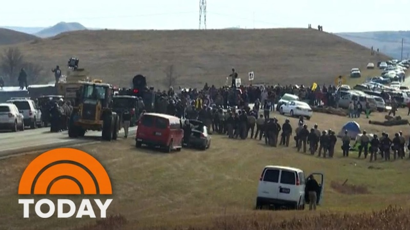 North Dakota Pipeline Standoff Police Clash With Native American Protesters | TODAY