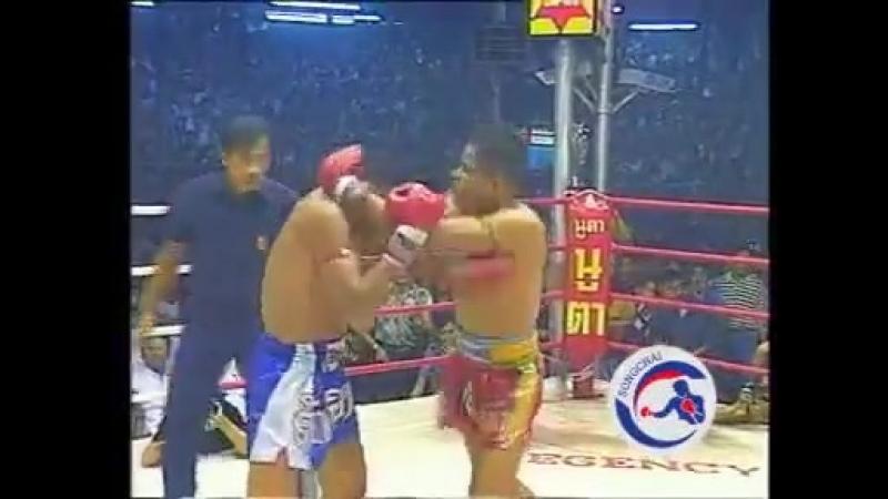 Sakmongkol (син) vs Jongsanan
