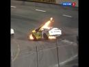 Отец гонщика NASCAR спас сына из загоревшейся машины