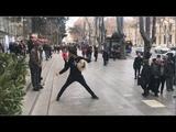Аварцы В Тбилиси 2019 Лезгинка В Грузии Парни Танцуют Просто Сказачно Четко Улица Руставели