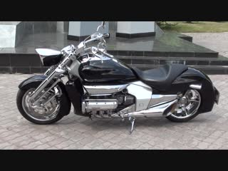 Honda NRX1800 Valkyrie Rune - Walkaround Acceleration Startup Exhaust Sound Burnout Speed