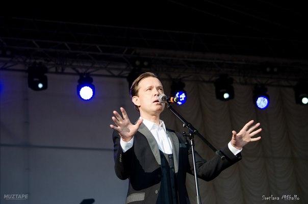2 июня  2018 г, участие Олега Погудина в фестивале «Петербург live», посвященном 80-летию Владимира Высоцкого, СПт-г XR2Qy1bT-fE