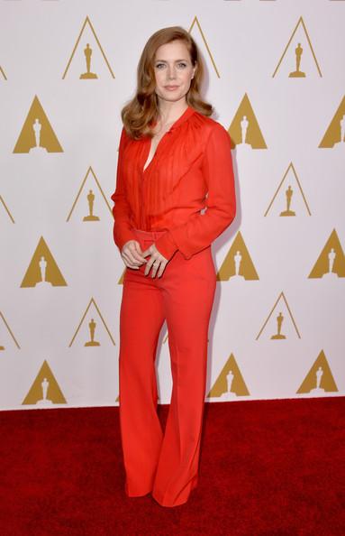 Эми Адамс в красном