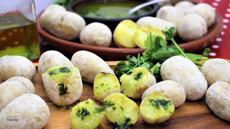 Patatas arrugadas o arrugás receta Canaria, con mojo verde casero