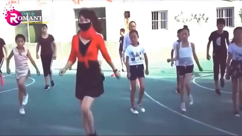 Cô giáo phấn khích shuffle dance cùng học trò | Hot ! Teachers and students dance