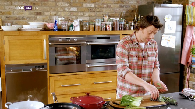 Обеды за 30 минут от Джейми 2 сезон 9 серия. Сэндвич со стейком / Lunches 30 minutes from Jamie (2011)