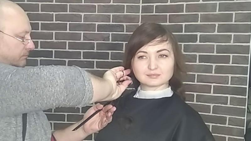 Видеоурок 23 Женская слоистая стрижка средней длины.