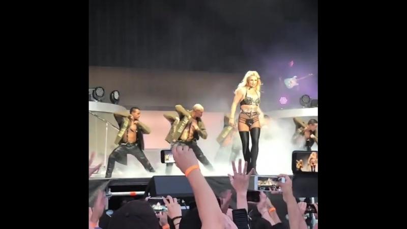 Britney Spears - Work Bitch (13.08.2018)