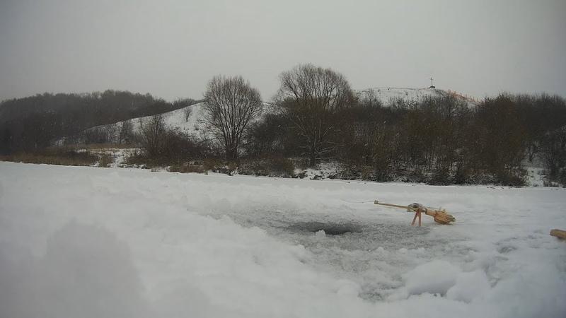 Зимняя рыбалка на окуня. Зимняя рыбалка 2018-2019 удачный день!
