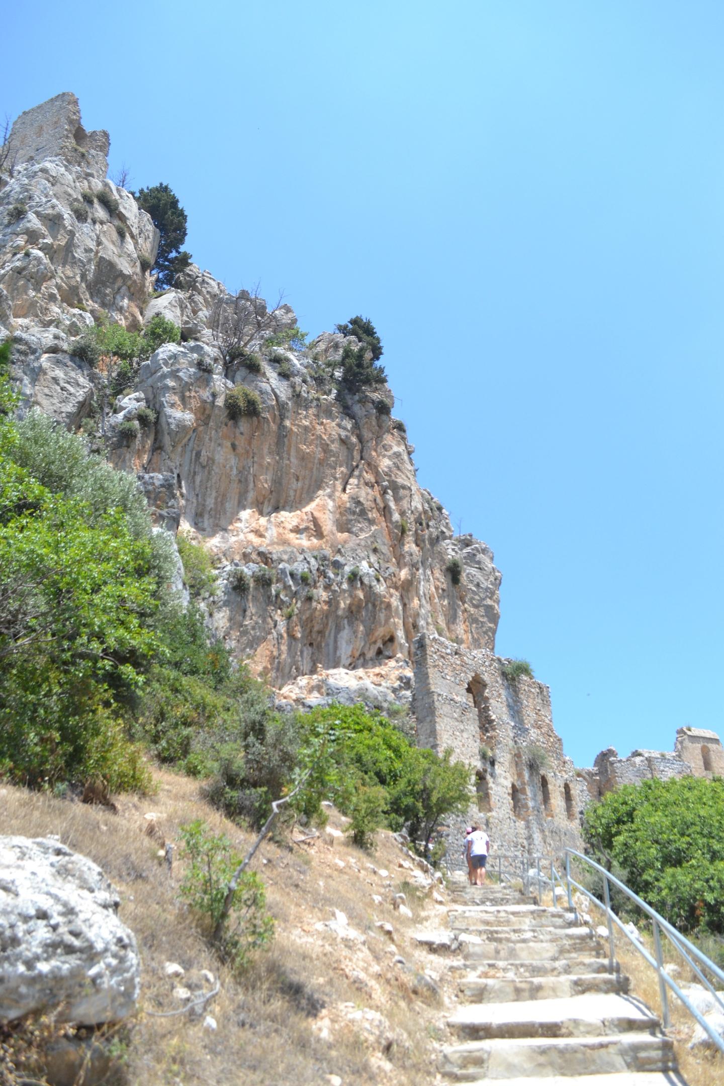 Северный Кипр. Замок Святого Иллариона. (фото). QmbRuOXeIh0