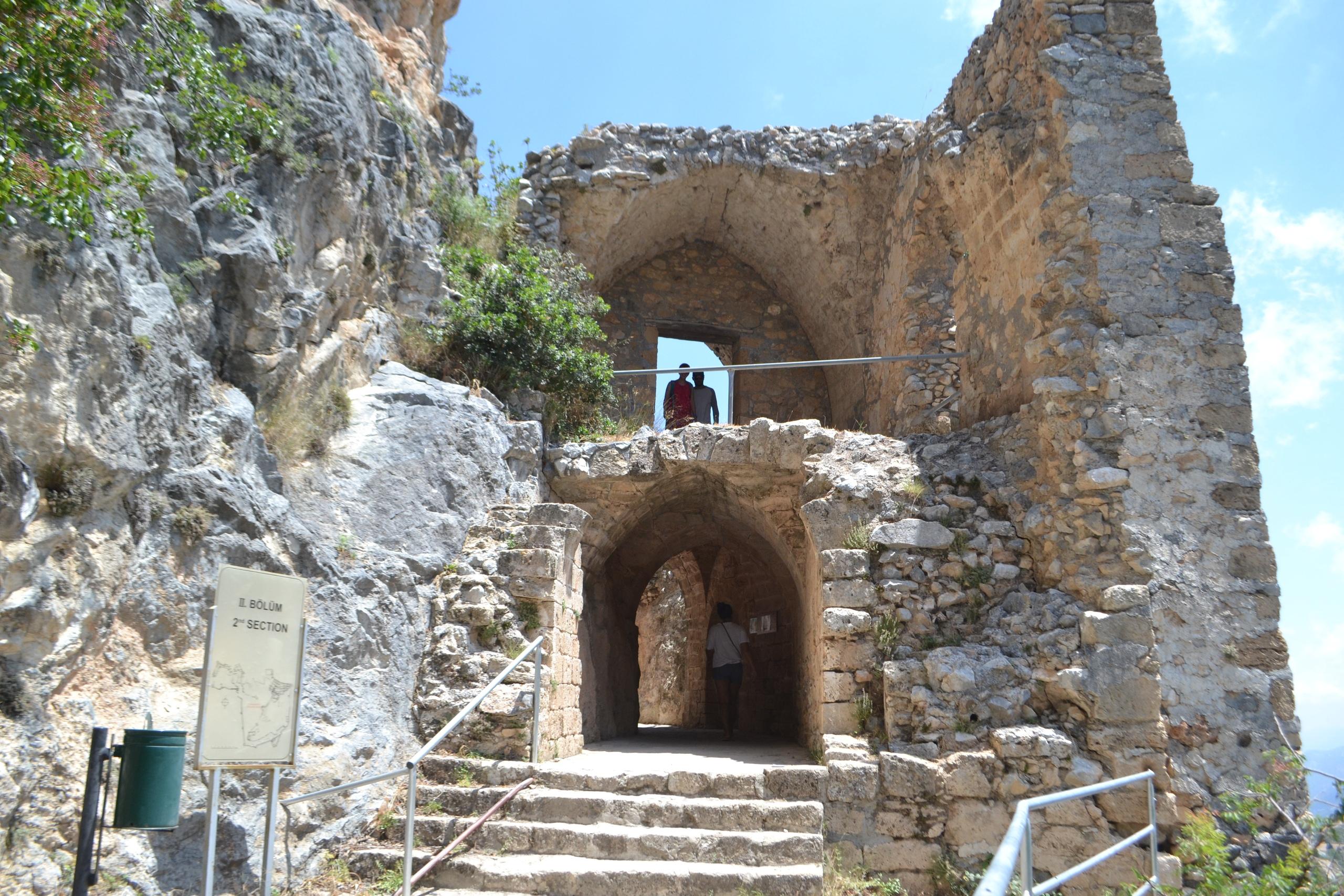 Северный Кипр. Замок Святого Иллариона. (фото). Y_W8qJdSKK8