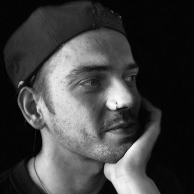 Михаил Сафонов