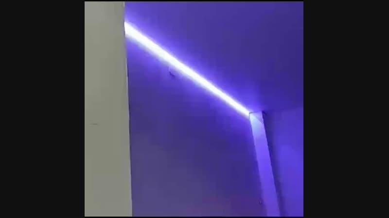 парящий потолок внутренний угол 90° на пол метра высотой