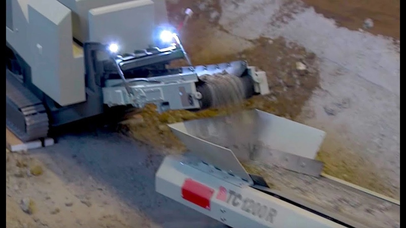 GREAT RC TRUCK ACTION! LIEBHERR 960 SME! STONE CRUSHER! MAN HEAVY LOAD!