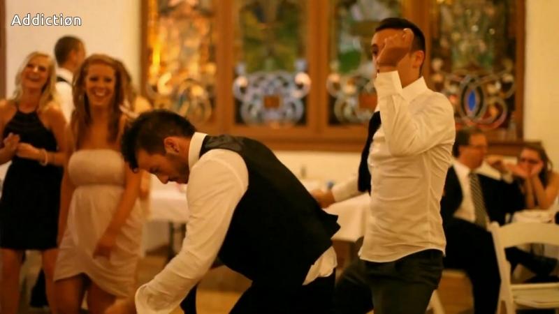 Тай и Джош танцуют на свадьбе (таетлед)
