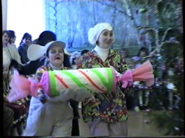 Новый год. 3А, 3Б, 3В школы №1(1999) 003