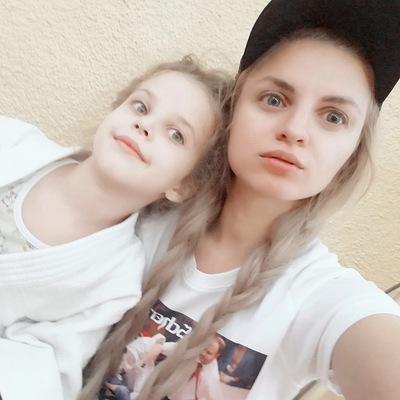 Оленька Евграфова