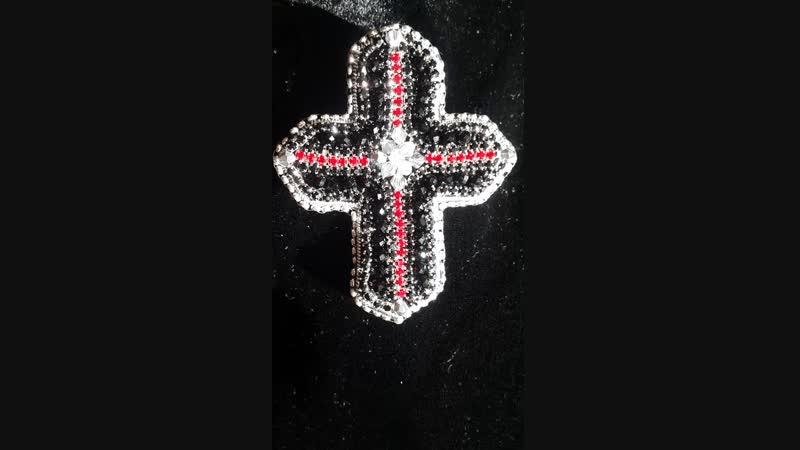 7 5×6 5 Крест EsmeraldaPelke кристаллы сваровски брошьНаЗаказ авторскаяработа брошьбисер мода2019 подарокновыйгод крес