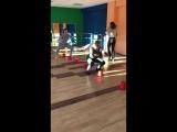 Отличное динамическое упражнение для ног и ягодиц:)