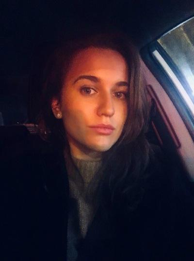 Юлия Ялунер
