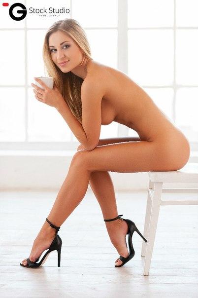 Gratis Raucous Dan Seksi Mengisap penis seks