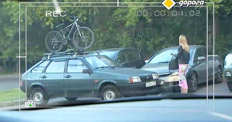 Велосипед, кукла и трос: как водители обманывают службу эвакуации