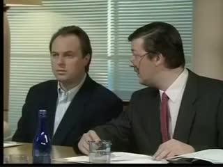 Как избежать харрасмента в наши дни. Предварительные переговоры - Хью Лори и Стивен Фрай. 1995 год.