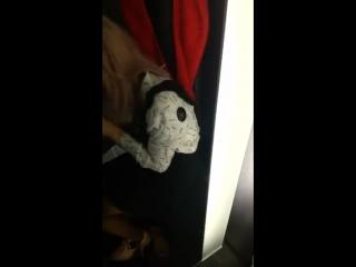 Делает минет в раздевалке своему (Skype,periscope,голая,новое,малолетка,мастурбирует,вписка,расческа,перископ,дроч,школьница)