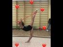 Элемент равновесие Планше с помощью гимнастической резины