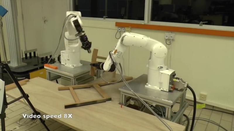Роботы уже собирают стул из Икеи