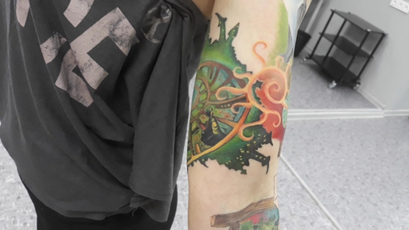 Татуировка по книгам Макса Фрая. Мастер Милена Старцева. Новосибирск