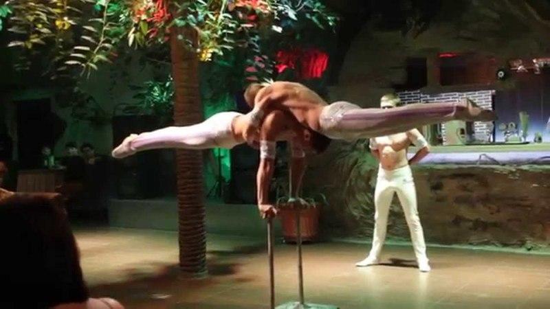 Акробатическое Шоу номер Силовики