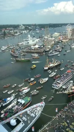 Wacky boat traffic