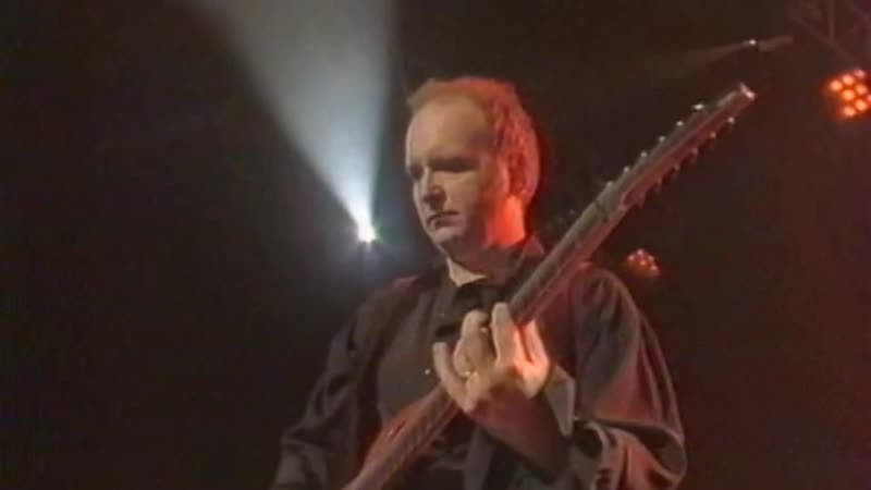 David Bowie — The Voyeur Of Utter Destruction (As Beauty) = Live At Taratata 1996