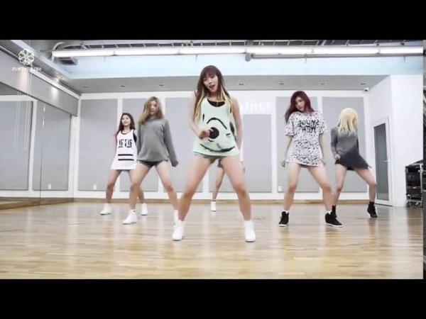 Красивые девчонки танцуют современный танец. Очень сексуальный современный танец