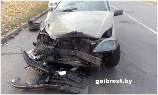"""г.Пинск: в ДТП травмирован водитель,совершивший столкновение с припаркованным """"МАЗом"""""""